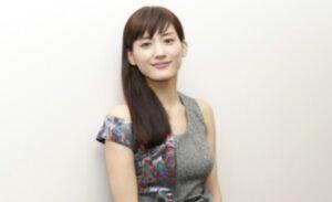綾瀬はるかノ・ミヌとお忍びデートの場所は自宅でマネージャー同伴でアリバイ完璧