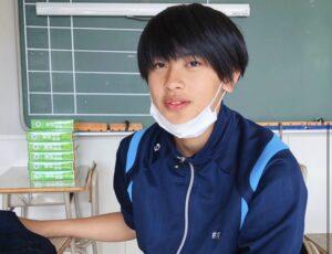 前川佑の中学校でのプライベート感満載の画像