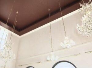 コルファージュリアの自宅にあるクリスタルのシャンデリア画像