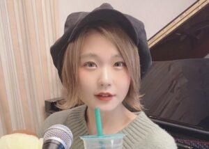 ポップスピアニストハラミちゃんのプロフィール
