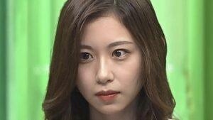 小山内鈴奈の目の違和感の理由は左右の大きさが違うから!