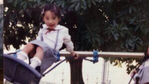 塩越柚歩の幼少期の可愛い画像