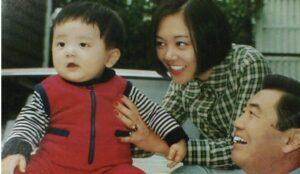 小山田圭吾の幼少期と両親父親と母親の顔画像と